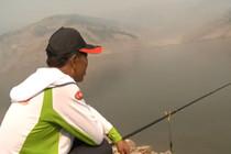 《钓鱼视频》第3集 民间高手实战演练见分晓