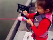 《钓友原创钓鱼视频》 谁说美女就不能钓鱼!