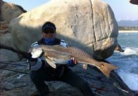 钓友分享海钓鲈鱼的必备经验和技巧