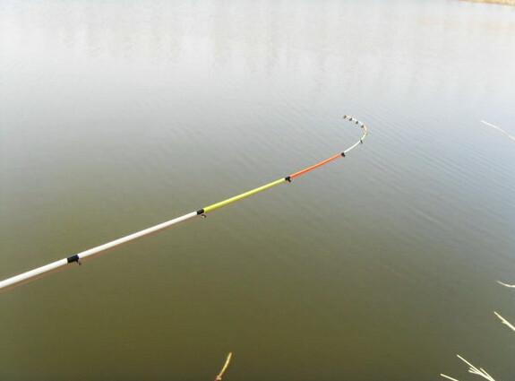 冬季使用筏竿钓鱼的技巧分析