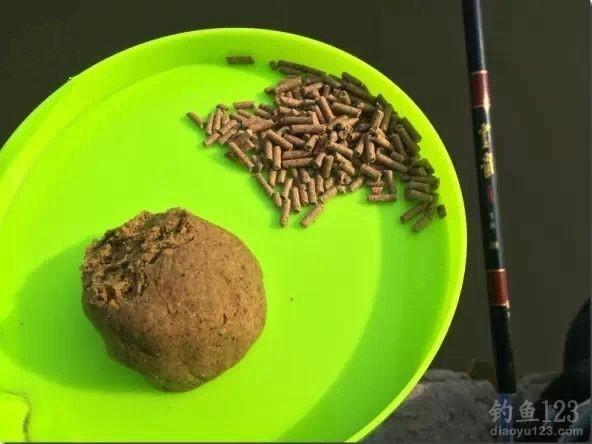 麻团蘸饵钓大鲫鱼