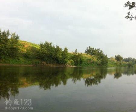 重庆龙溪河龙滩村某河段