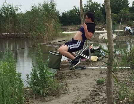 台风过境,我们出发 自制饵料钓鳊鱼