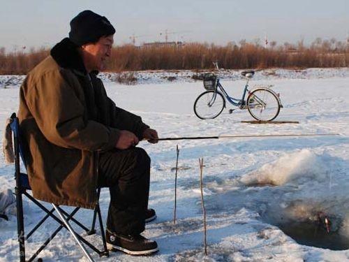 钓鱼高手分享野外冰钓攻略
