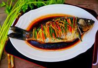 简单美味清蒸鲫鱼的做法