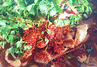 清香爽口的藿香水煮鲤鱼烹饪方法