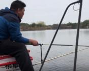 《户外老曹》老曹不在,船长好不容易做主角钓鱼,到底能不能钓上鱼?