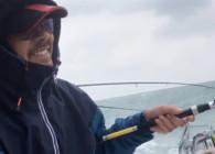 《户外老曹》海钓实战:风浪中的搏鱼,真男人的游戏!