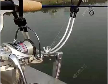 賈魯河筏釣初試慘淡收場,架起手竿拉大板鯽手感不錯