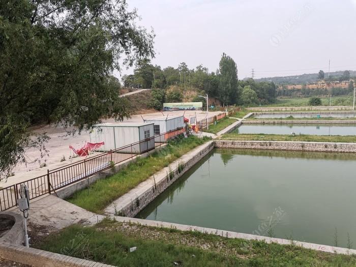 荥阳龙凤山庄淡水垂钓基地