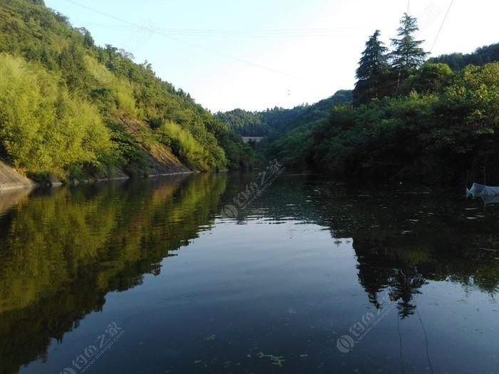 十二河钓鱼场