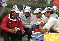 《化绍新钓鱼视频》饵料搭配及调漂方法